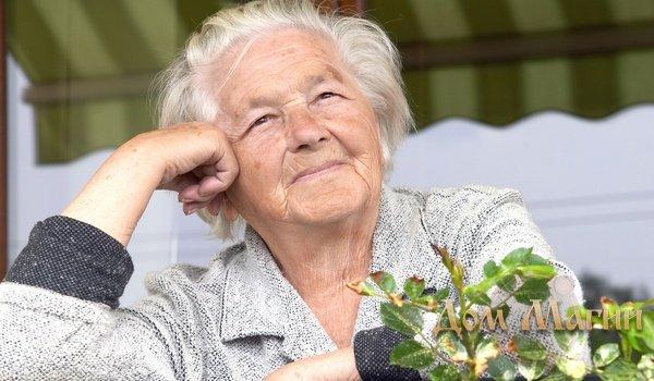 Умершая бабушка в хорошем настроении